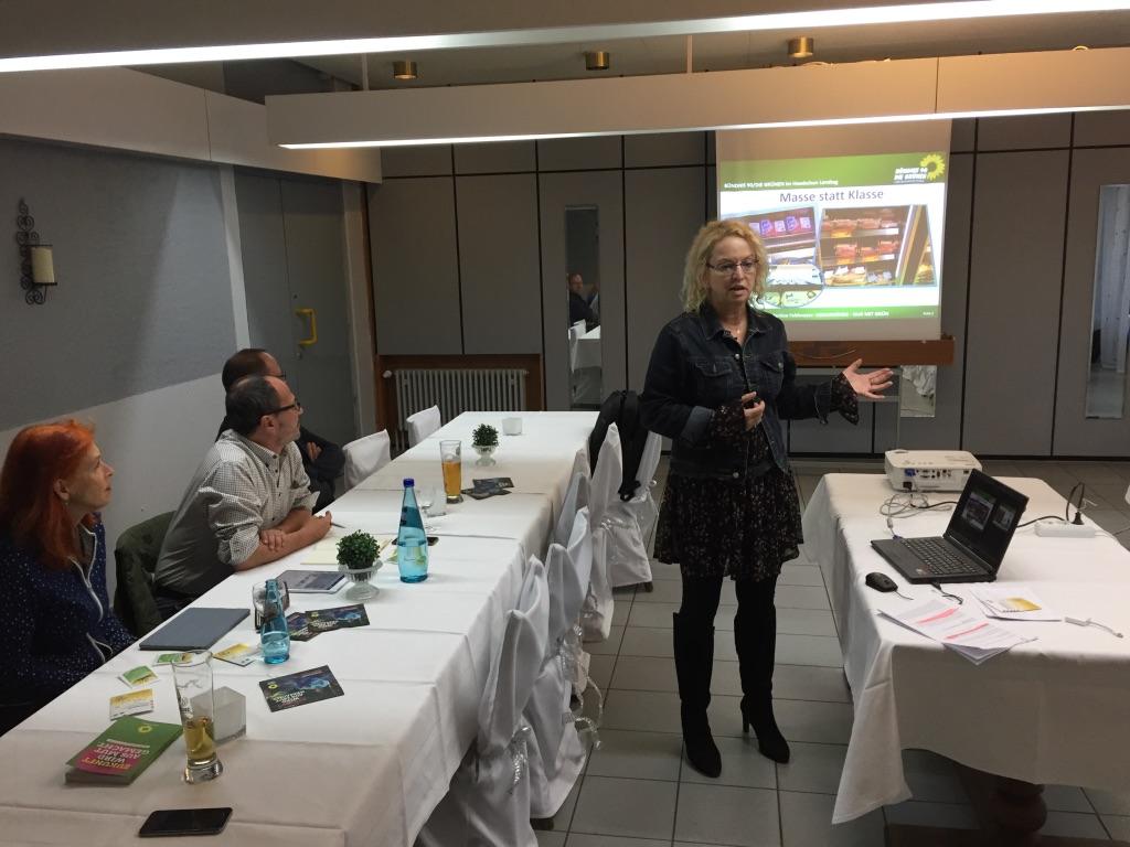 Zu Besuch bei den Viernheimer Grünen mit MdL Martina Feldmayer